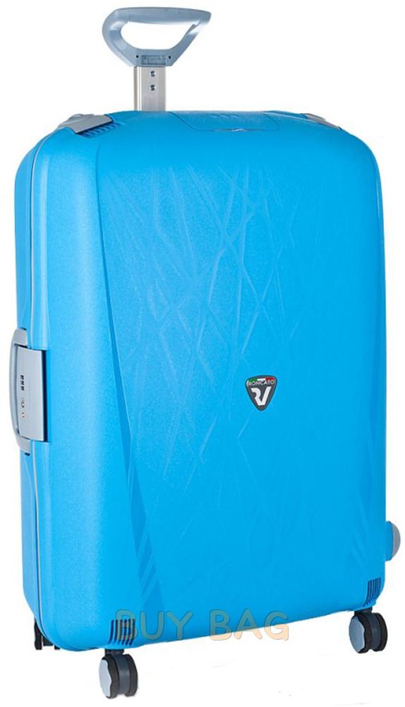 Надежный пластиковый чемодан
